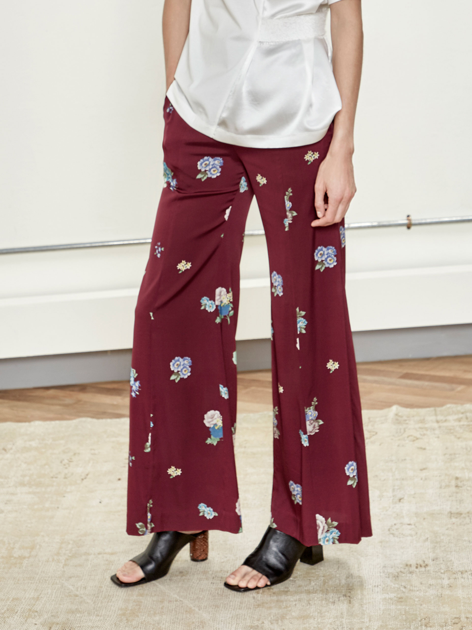 怀旧花卉印花喇叭裤