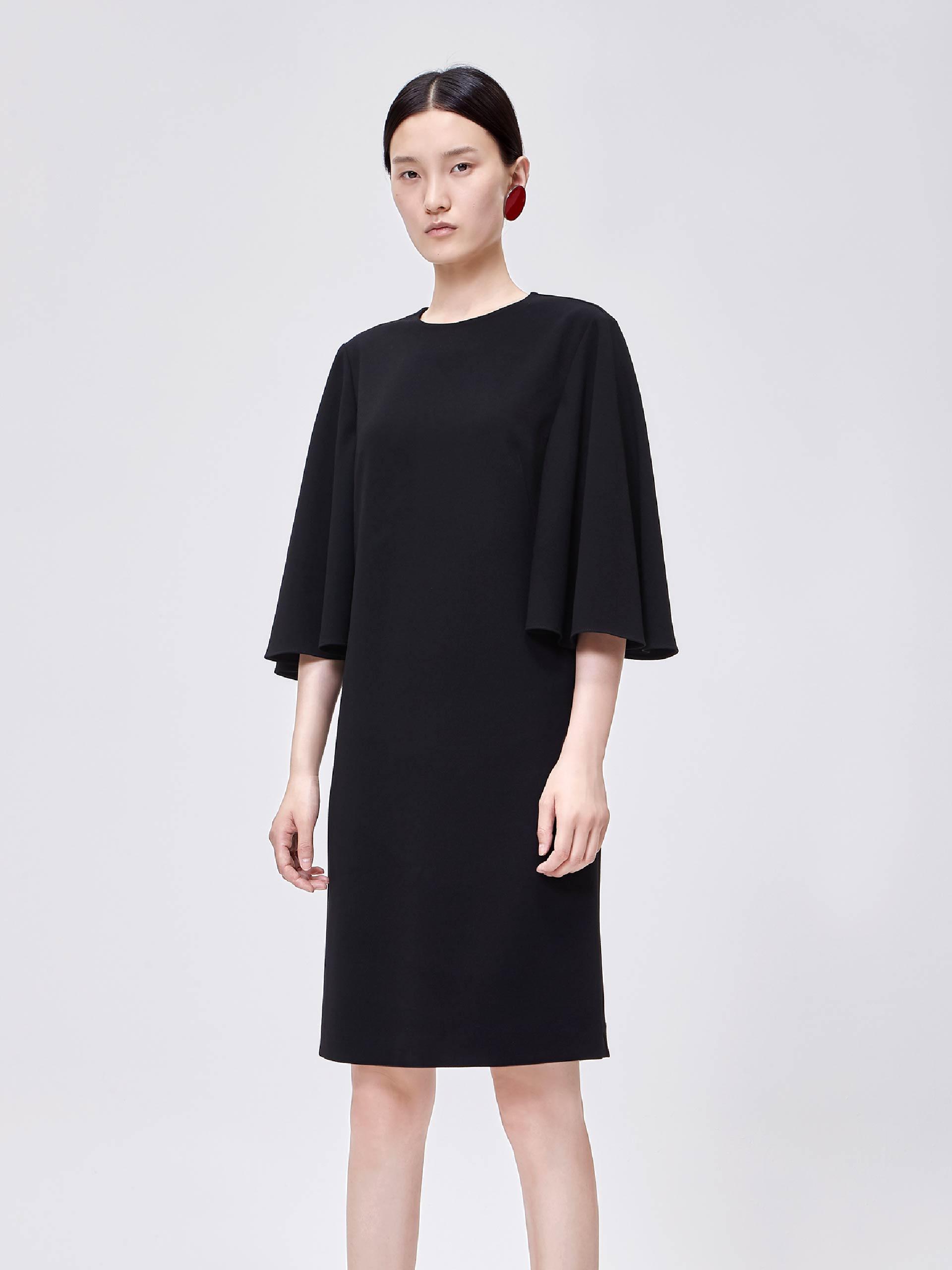 复古喇叭中袖小黑裙
