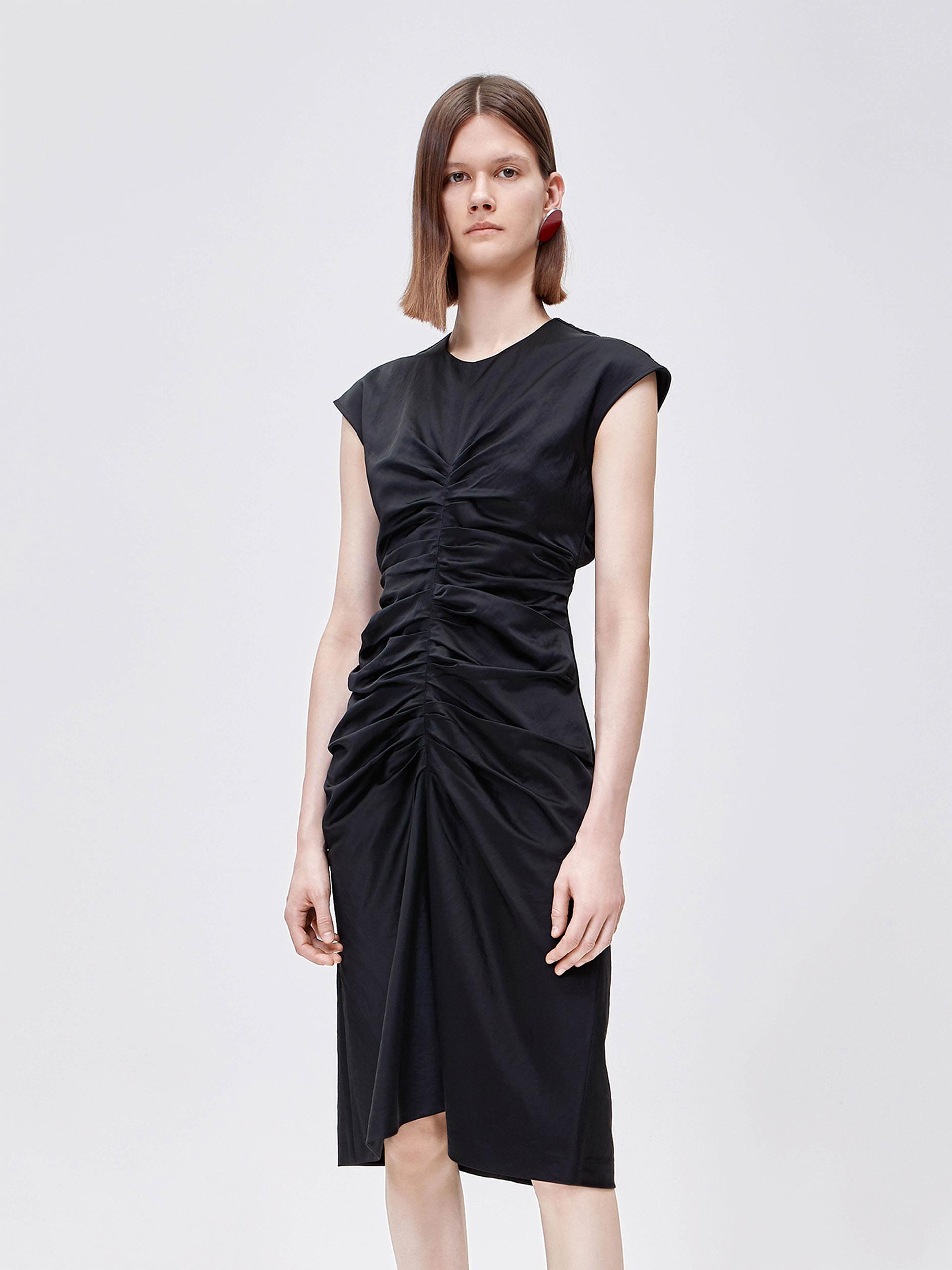 立裁褶皱小黑裙